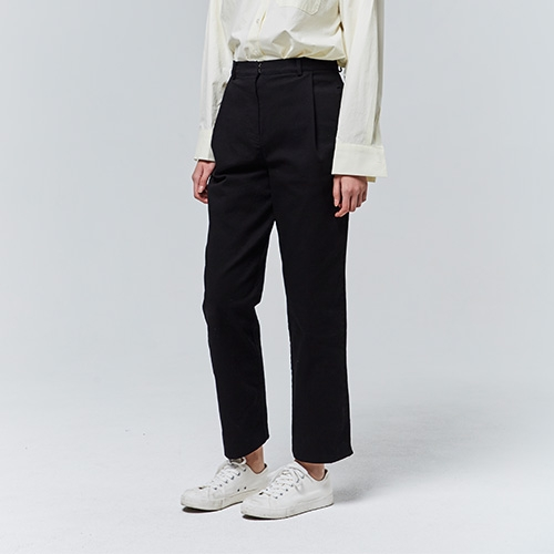 ONE TUCK COTTON PANTS (Black)